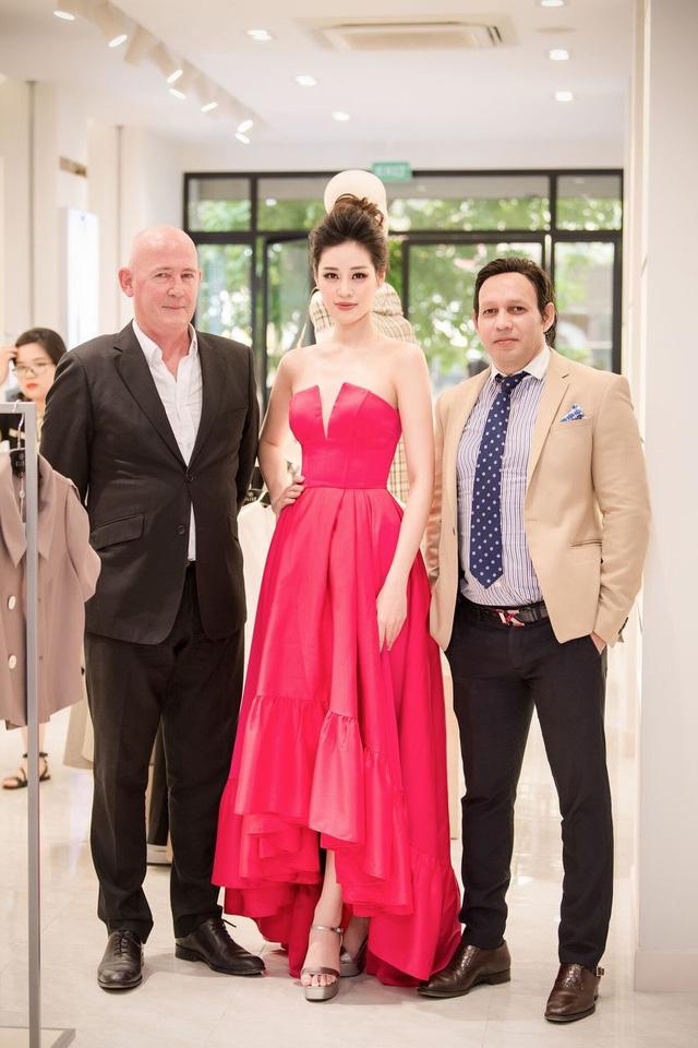 """CEO Lưu Nga: """"Định nghĩa"""" lại mô hình bán lẻ thông qua sự ra mắt của Concept Showroom mới"""