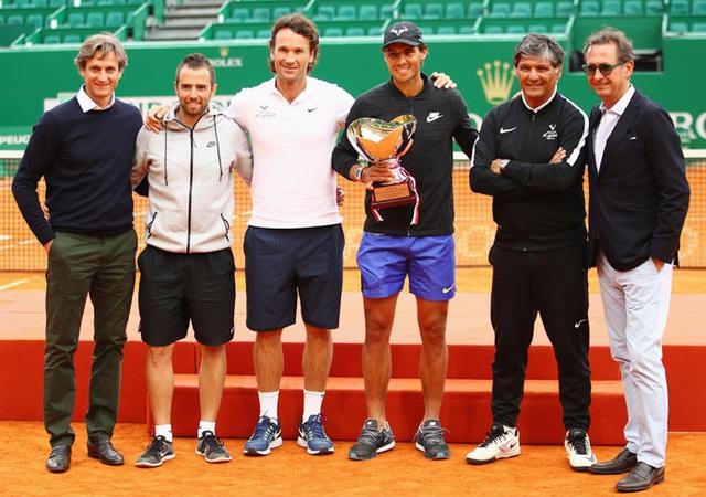 HLV Carlos Moya lý giải sự cải tiến trong quả giao bóng của Nadal - Ảnh 1.