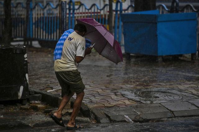 Cận cảnh thiệt hại do siêu bão Amphan gây ra tại Ấn Độ - Ảnh 11.