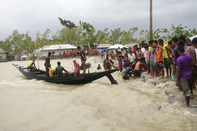 Cận cảnh thiệt hại do siêu bão Amphan gây ra tại Ấn Độ - Ảnh 12.