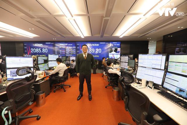 Bên trong sàn đặt lệnh chứng khoán hiện đại nhất Hàn Quốc - Ảnh 10.
