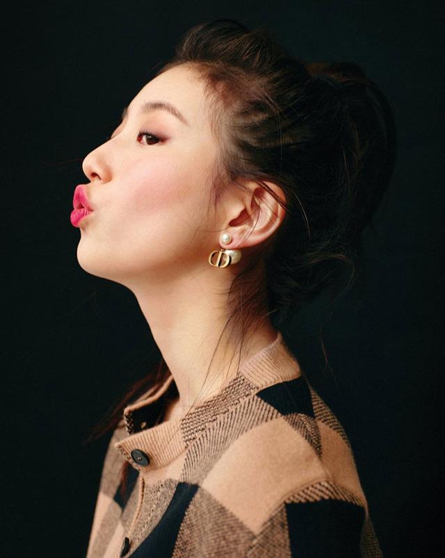 Suzy quý phái khác thường trên Vogue - Ảnh 4.