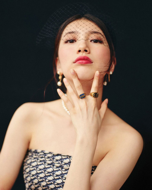 Suzy quý phái khác thường trên Vogue - Ảnh 6.