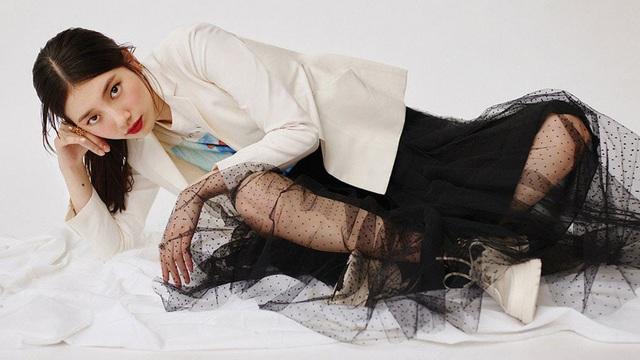 Suzy quý phái khác thường trên Vogue - Ảnh 7.