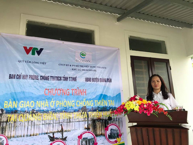 Quỹ Tấm lòng Việt bàn giao nhà chống bão lũ, tặng học bổng tại Thừa Thiên Huế - Ảnh 3.