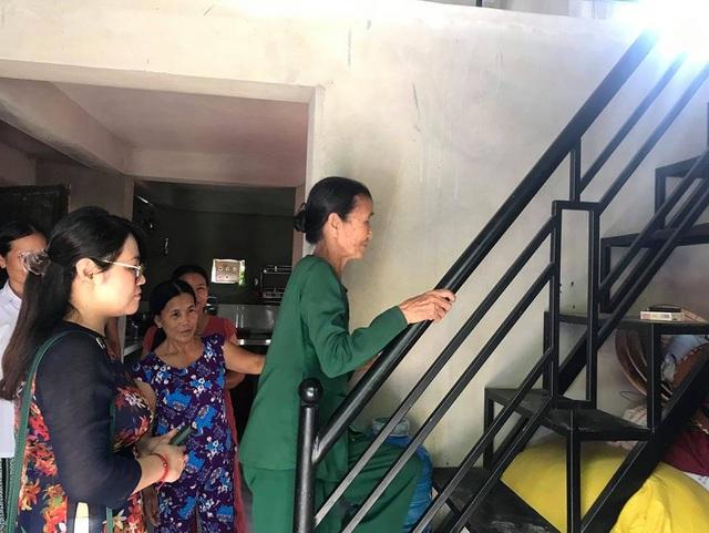 Quỹ Tấm lòng Việt bàn giao nhà chống bão lũ, tặng học bổng tại Thừa Thiên Huế - Ảnh 5.