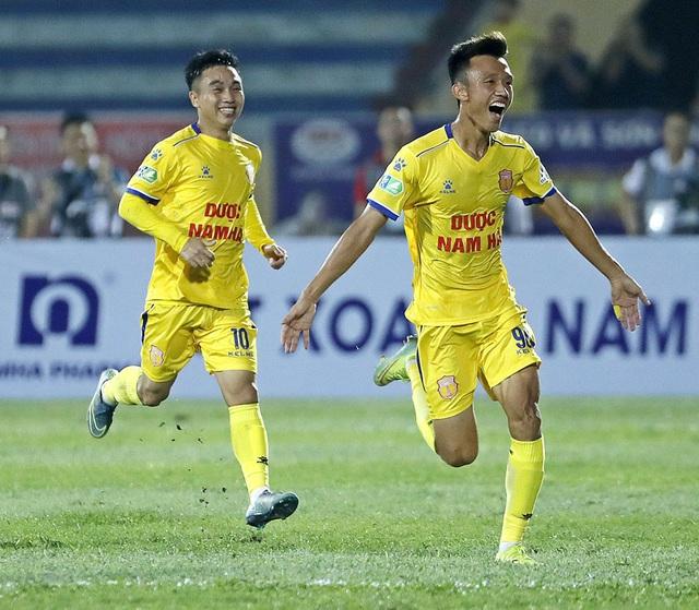 ẢNH: DNH Nam Định thắng thuyết phục, loại Hoàng Anh Gia Lai khỏi Cúp Quốc gia 2020 - Ảnh 17.
