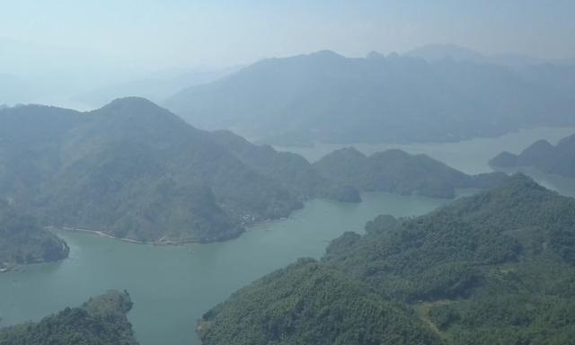 Hồ Hòa Bình - Chốn bình yên miền sơn cước - ảnh 1