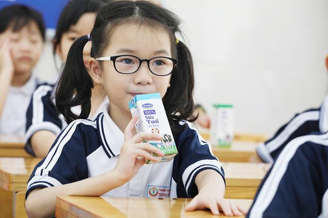 Hơn 91% trẻ em mầm non, tiểu học Hà Nội được uống sữa học đường mỗi ngày - Ảnh 4.