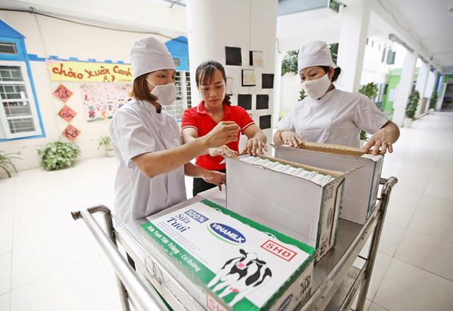 Hơn 91% trẻ em mầm non, tiểu học Hà Nội được uống sữa học đường mỗi ngày - Ảnh 7.