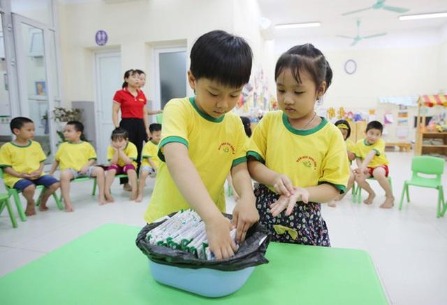 Hơn 91% trẻ em mầm non, tiểu học Hà Nội được uống sữa học đường mỗi ngày - Ảnh 10.