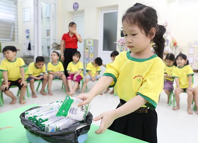 Hơn 91% trẻ em mầm non, tiểu học Hà Nội được uống sữa học đường mỗi ngày - Ảnh 11.
