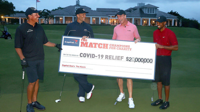 Tiger Woods và Peyton Manning thắng The Match: Champions for Charity - Ảnh 2.