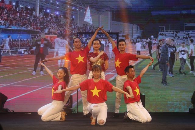 ẢNH: Toàn cảnh lễ trao giải Quả bóng vàng Việt Nam 2019 - Ảnh 1.