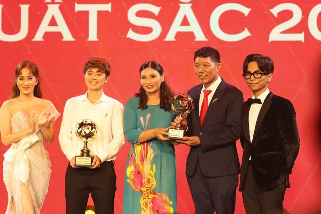 ẢNH: Toàn cảnh lễ trao giải Quả bóng vàng Việt Nam 2019 - Ảnh 2.