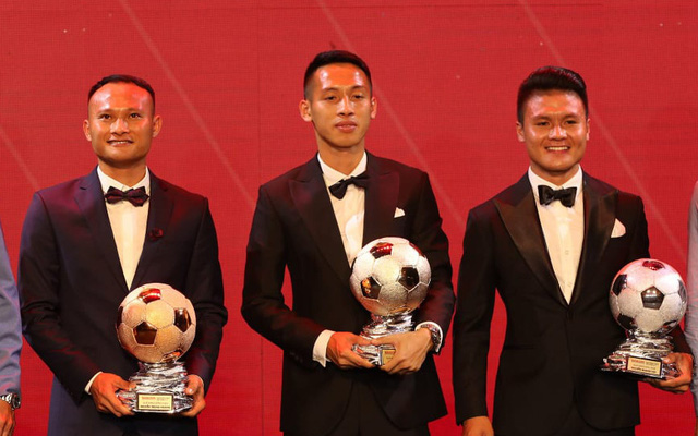Vượt qua Quang Hải, Hùng Dũng giành Quả bóng vàng Việt Nam 2019 - Ảnh 1.
