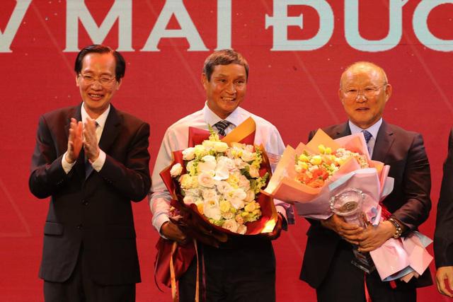 ẢNH: Toàn cảnh lễ trao giải Quả bóng vàng Việt Nam 2019 - Ảnh 5.