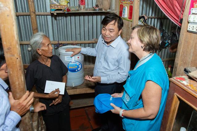 UNICEF cứu trợ phòng chống COVID-19 cho hơn 340.000 người tại Việt Nam - Ảnh 2.