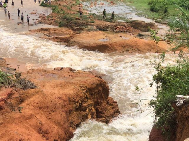 Vỡ đập chứa nước ở Phú Thọ, di dời khẩn cấp các hộ dân - Ảnh 1.