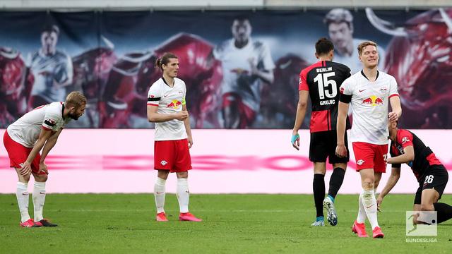 VIDEO Highlight Leipzig 2-2 Hertha Berlin: Chia điểm kịch tính (Vòng 28 VĐQG Đức Bundesliga) - Ảnh 2.