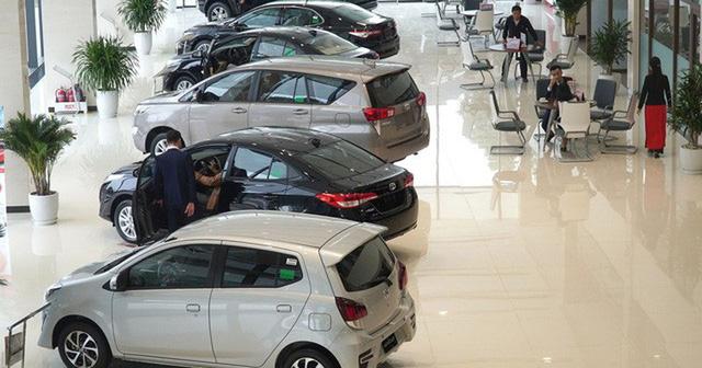 CHÍNH THỨC giảm 50% lệ phí trước bạ ô tô sản xuất, lắp ráp trong nước - Ảnh 2.