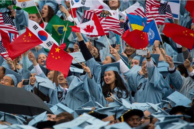 """Du học sinh Trung Quốc – """"Con bài"""" luôn mắc kẹt trong căng thẳng Mỹ - Trung - Ảnh 2."""