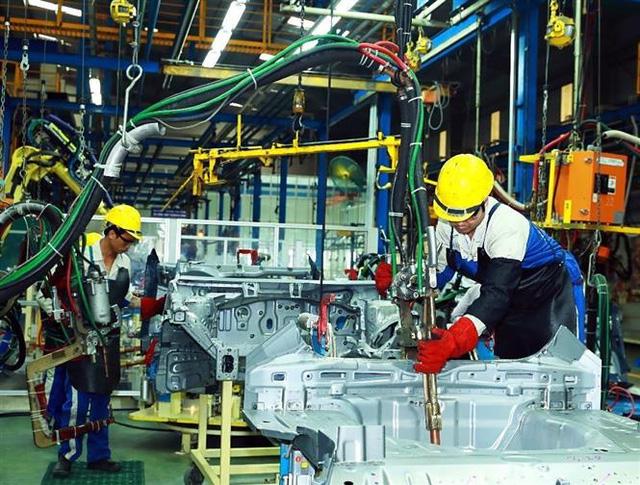 Từ 10/7, linh kiện nhập khẩu lắp ráp ô tô trong nước hưởng thuế 0% - Ảnh 1.