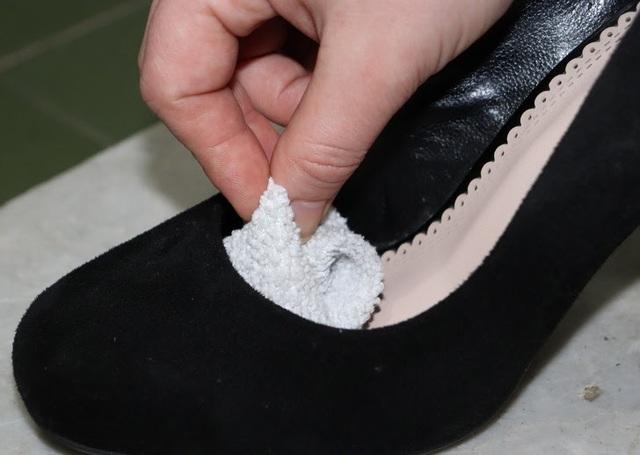 11 mẹo loại bỏ mọi khó chịu khi mang giày - ảnh 6