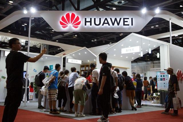 Anh muốn thành lập câu lạc bộ 5G để đối phó với Huawei - Ảnh 1.