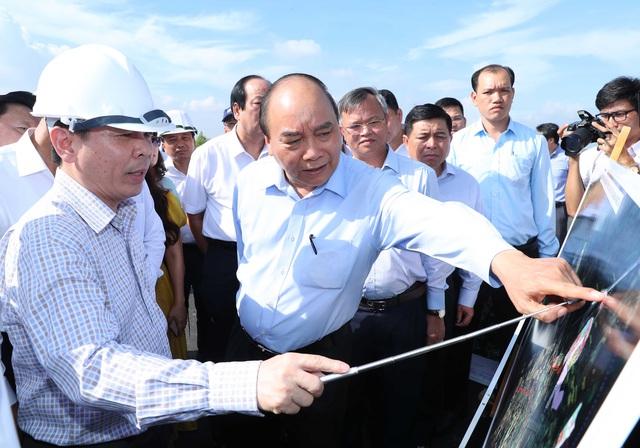 Thủ tướng chủ trì Hội nghị vùng kinh tế trọng điểm phía Nam - Ảnh 2.