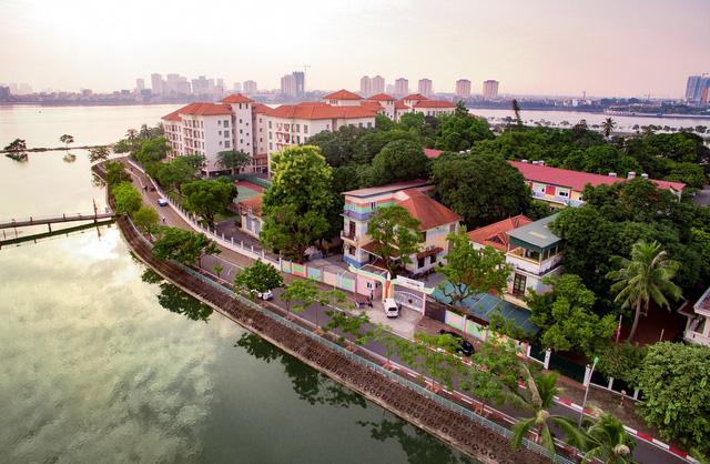 Phí ghi danh nhập học hàng chục triệu, học phí mầm non gần 400 triệu tại Hà Nội - Ảnh 1.