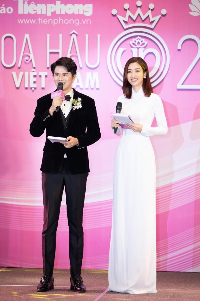 Hoa hậu Đỗ Mỹ Linh đầy tự tin trở lại với Bản tin Tiêu dùng 24h - Ảnh 11.