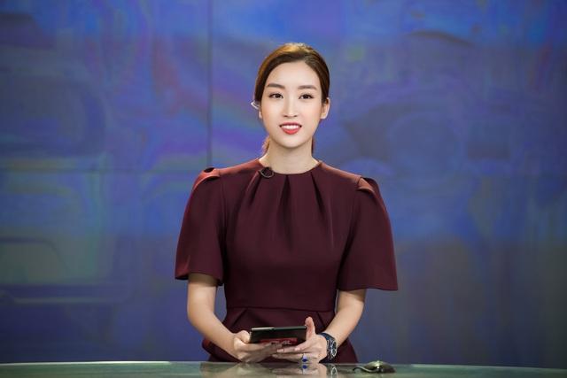 Hoa hậu Đỗ Mỹ Linh đầy tự tin trở lại với Bản tin Tiêu dùng 24h - Ảnh 3.