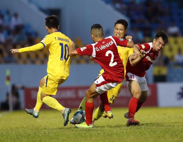 ẢNH: Than Quảng Ninh vượt qua DNH Nam Định trên chấm 11m ở Cẩm Phả - Ảnh 5.