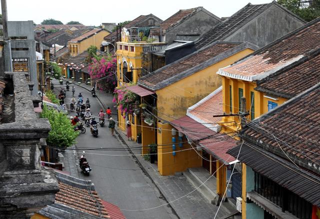 Du lịch Việt trở lại cuộc đua, thoát bẫy COVID-19 - Ảnh 1.