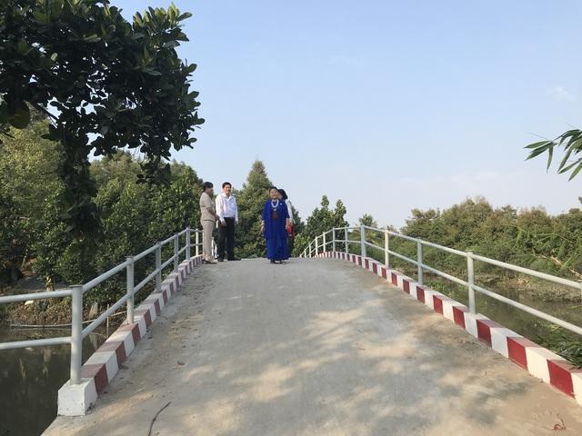 Quỹ Tấm lòng Việt hỗ trợ xây cầu dân sinh tại xã nghèo tỉnh Tiền Giang - Ảnh 1.