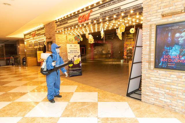 Rạp chiếu phim mở cửa trở lại từ ngày 9/5, trình chiếu lại nhiều phim bom tấn - Ảnh 1.