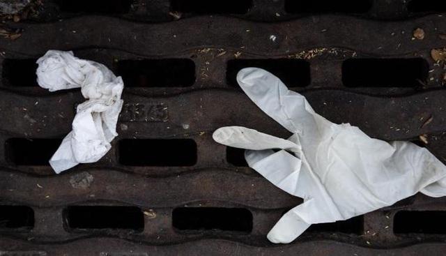 Thách thức rác thải nhựa trong mùa dịch COVID-19 - Ảnh 1.