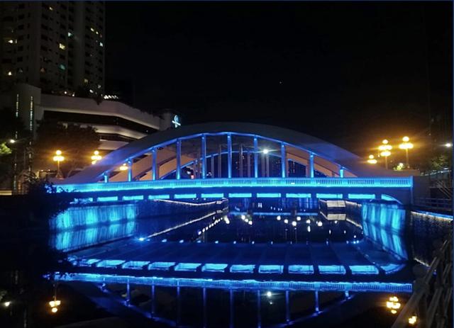 Singapore thắp sáng hơn 30 điểm du lịch nổi tiếng tri ân những người hùng COVID-19 - ảnh 3