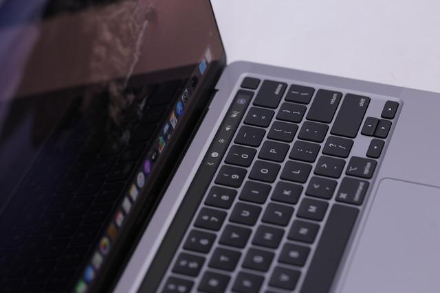 Macbook Pro 13 inch 2020 đầu tiên về Việt Nam giá 41,8 triệu - Ảnh 4.
