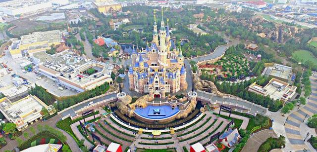 Chưa mở cửa trở lại, Disneyland Thượng Hải đã cháy vé - ảnh 1