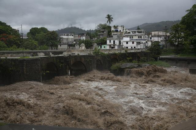 Bão Amanda đổ bộ El Salvador, ít nhất 8 người thiệt mạng - Ảnh 2.