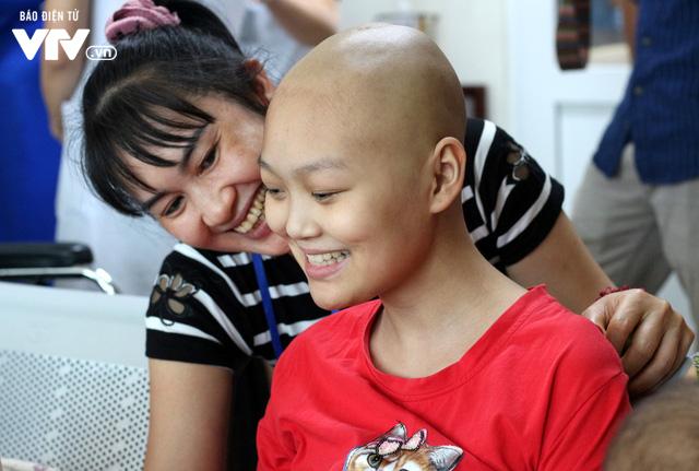 Khai giảng Lớp học hạnh phúc dành cho bệnh nhi ung thư - Ảnh 2.