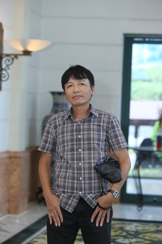 Phương Oanh diện váy xẻ cao, Hà Việt Dũng chuẩn soái ca trong họp báo phim mới Lựa chọn số phận - Ảnh 2.