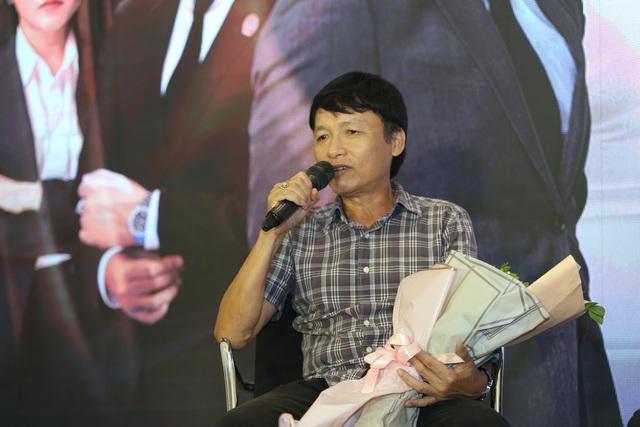 Phương Oanh diện váy xẻ cao, Hà Việt Dũng chuẩn soái ca trong họp báo phim mới Lựa chọn số phận - Ảnh 10.