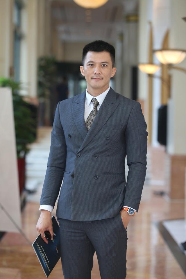 Phương Oanh diện váy xẻ cao, Hà Việt Dũng chuẩn soái ca trong họp báo phim mới Lựa chọn số phận - Ảnh 17.