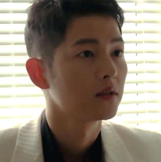 Song Joong Ki tái xuất khiến fan ngỡ ngàng vì quá điển trai - Ảnh 2.