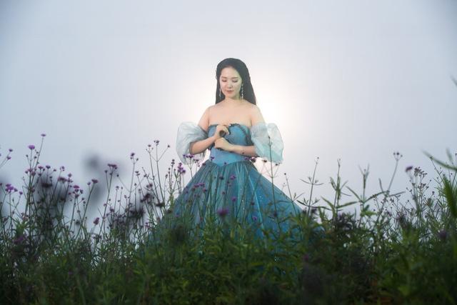 Phạm Thùy Dung hát nhạc Dương Cầm trong MV đầy chất thơ - Ảnh 3.
