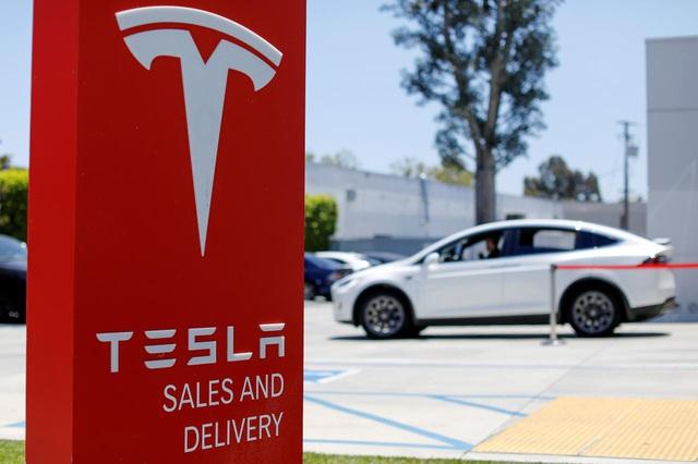 Tesla sắp trở thành nhà sản xuất ô tô có giá trị lớn nhất thế giới - Ảnh 1.