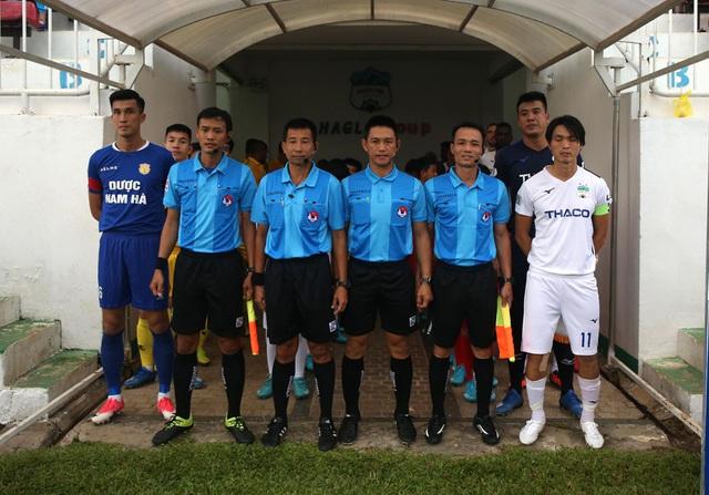 ẢNH: Hoàng Anh Gia Lai thắng tối thiểu DNH Nam Định (Vòng 4 V.League 2020) - Ảnh 1.
